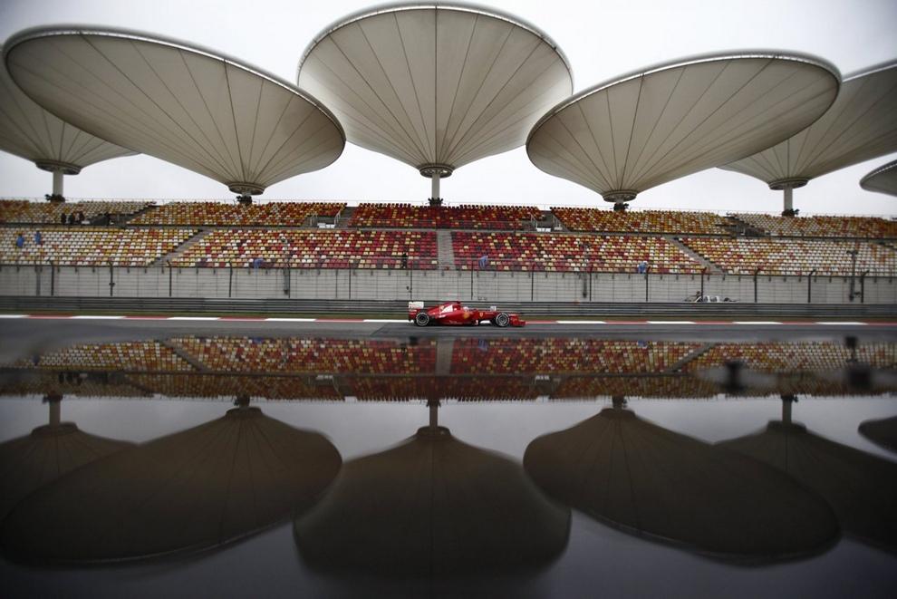 Гран-при Китая. Неожиданный триумф команды Mercedes (15 фото)