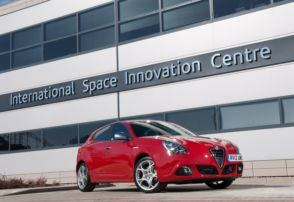Под знаком Шекспира: Alfa Romeo Giulietta TCT (10 фото)