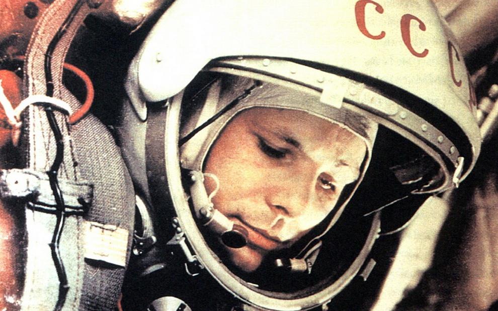 День космонавтики: Вспоминаем Юрия Алексеевича Гагарина (25 фото)