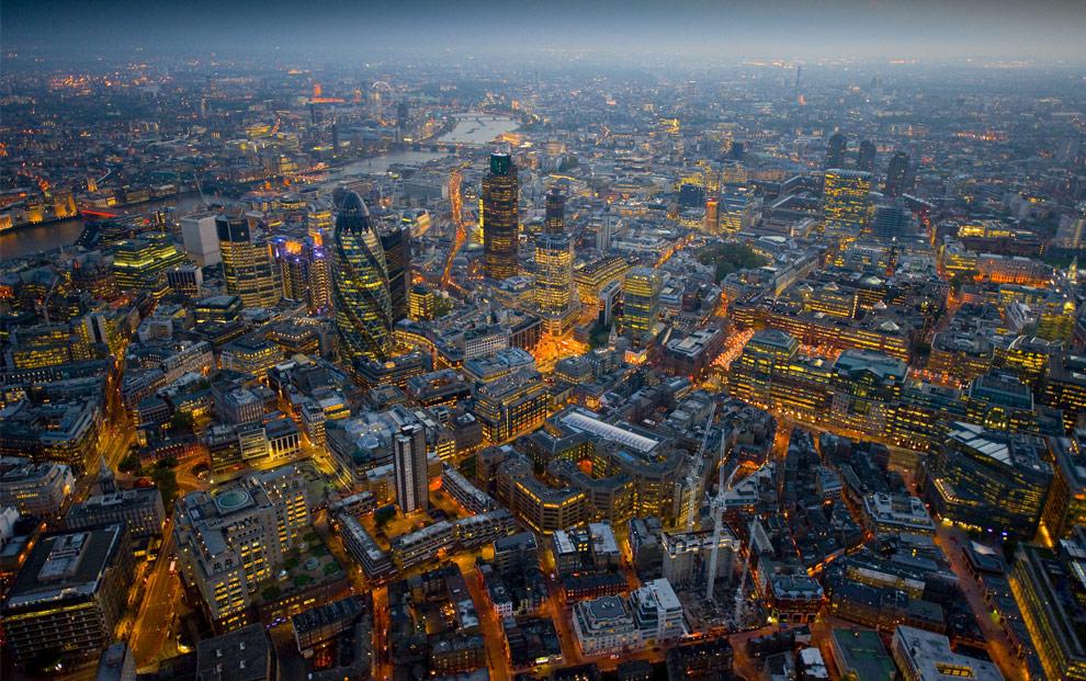 Ночной Лондон с высоты птичьего полета. Продолжение (20 фото)