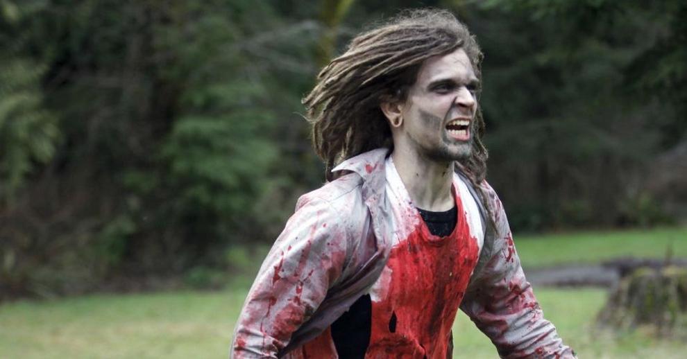 Что делать, если на Вас напали зомби? (10 фото)