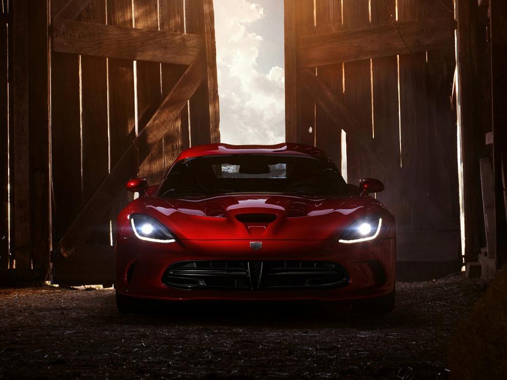 SRT Viper. © Chrysler Group LLC