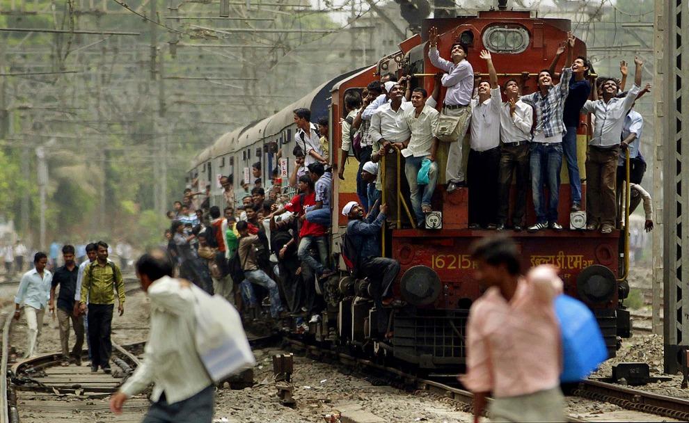 фото индийских поезд вдруг
