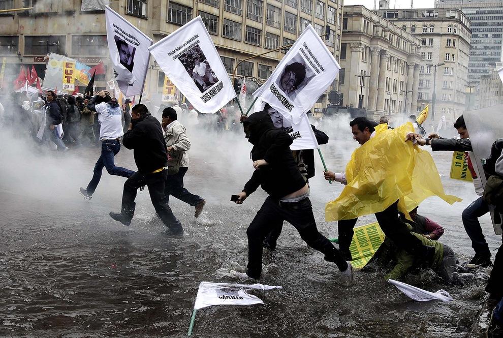 Первое мая: Репортажи со всего мира (15 фото)