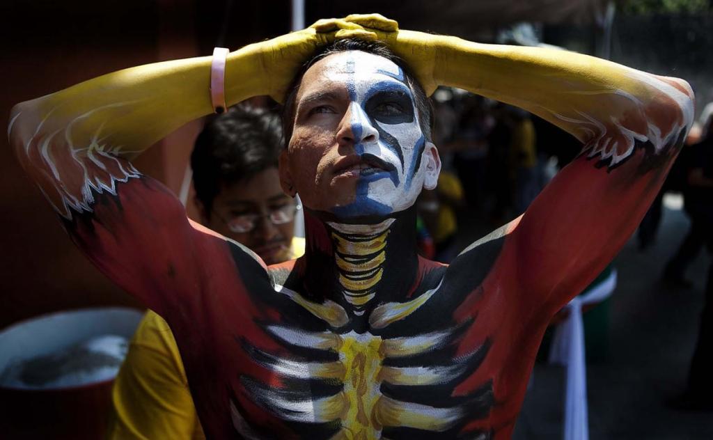 Международный фестиваль боди-арта Fonambules Body Paint Festival в Мехико, Месика. (AP Photo/Eduardo Verdugo)