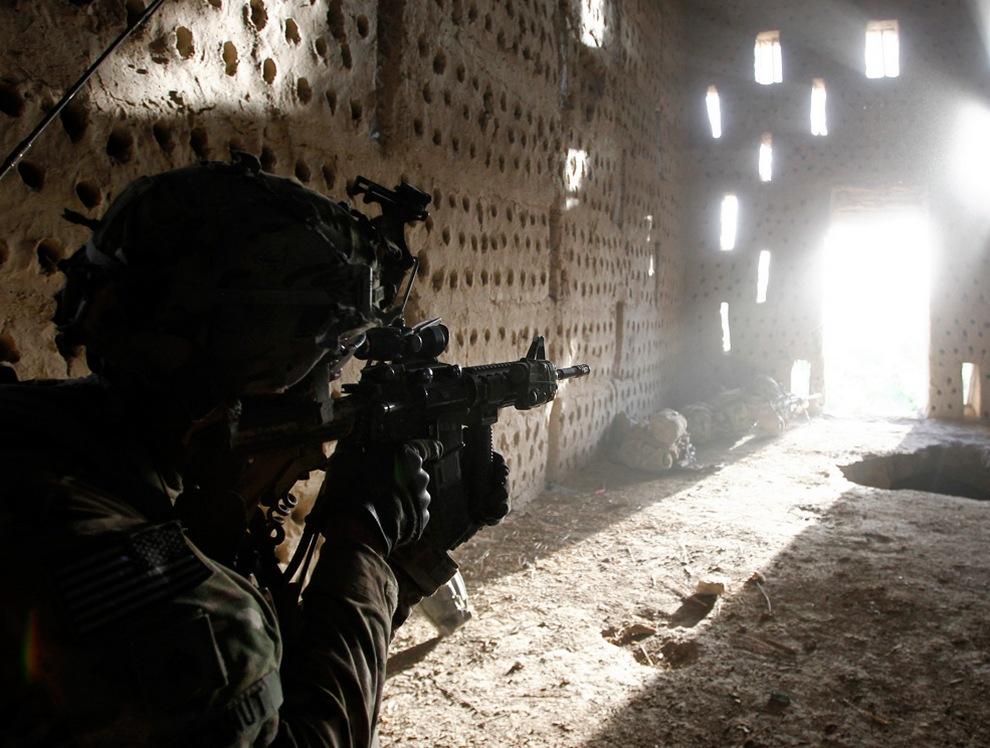 Сводки из Афганистана. Апрель 2012 (25 фото)