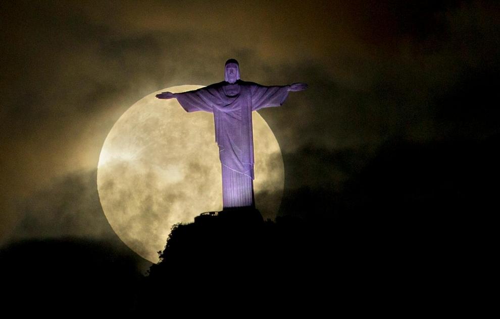 Невероятное «суперполнолуние» 2012 года. Выпуск 1 (10 фото)
