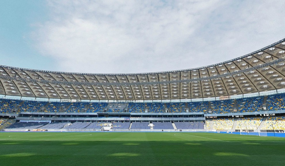 Украинские стадионы «Евро-2012» изнутри (16 фото)