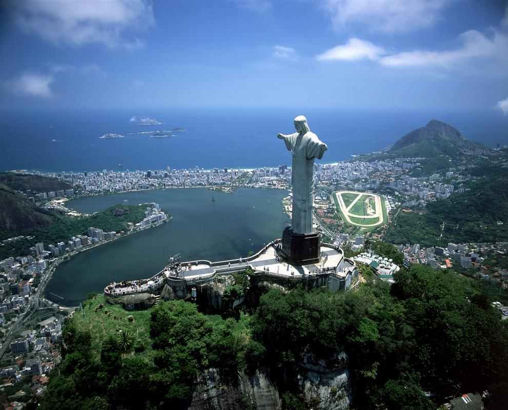Топ-10 самых величественных статуй мира (10 фото)