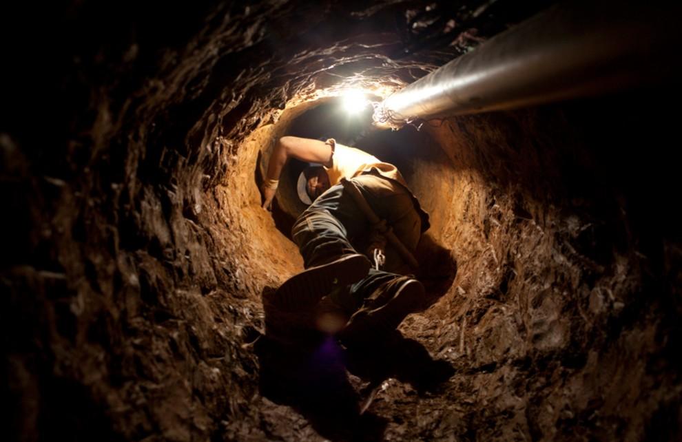 Под землей (10 фото)