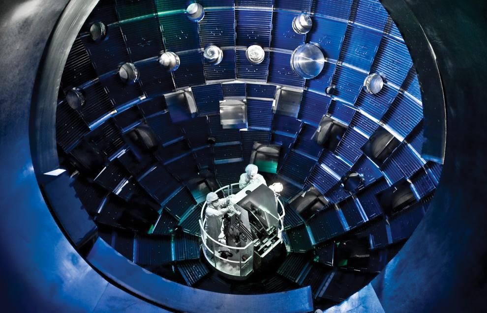 Национальный комплекс лазерных термоядерных реакций (20 фото)