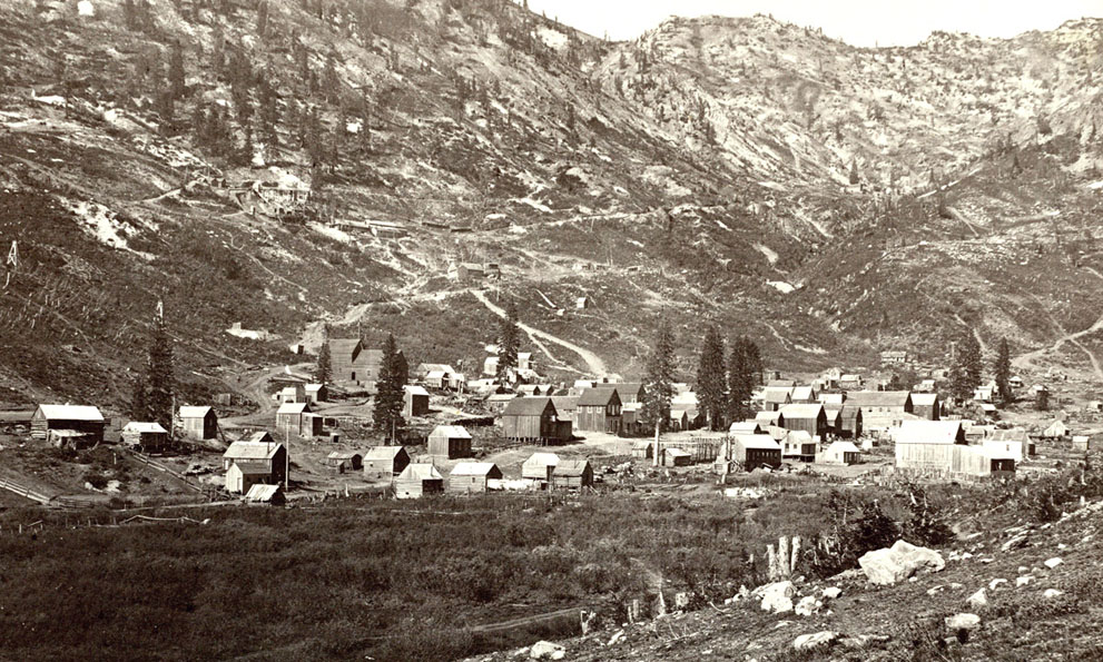 1873 год. Алта-сити, Литтл-Коттонвуд, штат Юта. Некогда одно из самых крупных поселений в штате, ныне — горнолыжный курорт, ежегодно принимающий до 500 тыс. человек. (Timothy O'Sullivan/Library of Congress)