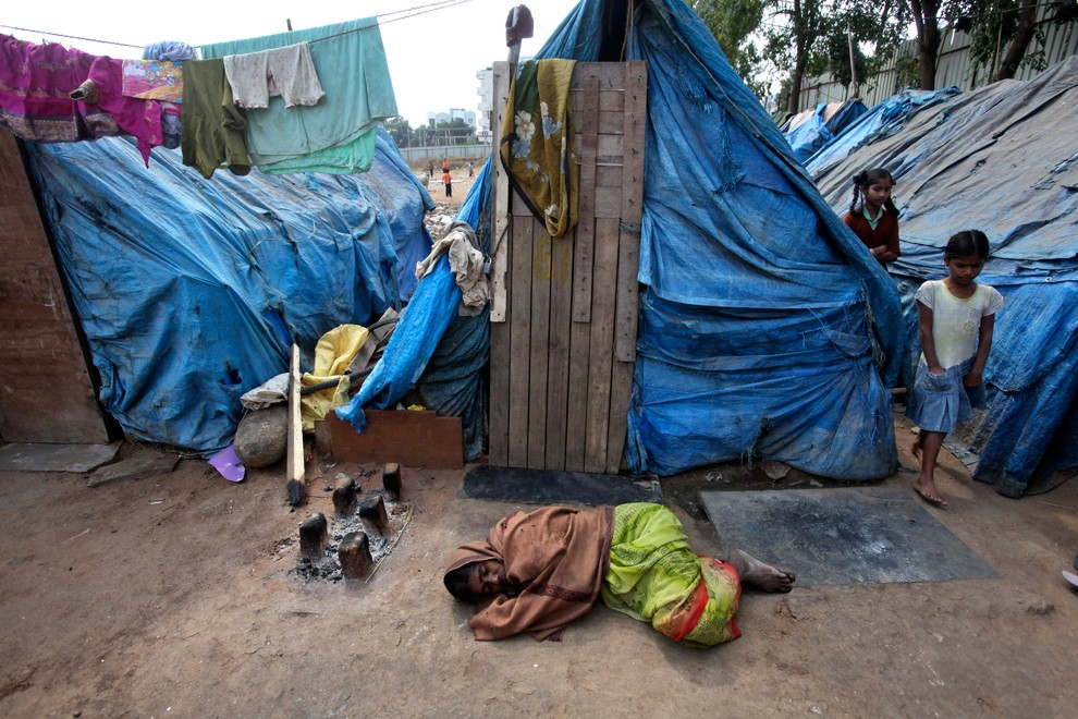 Жители трущоб. Продолжение (20 фото)
