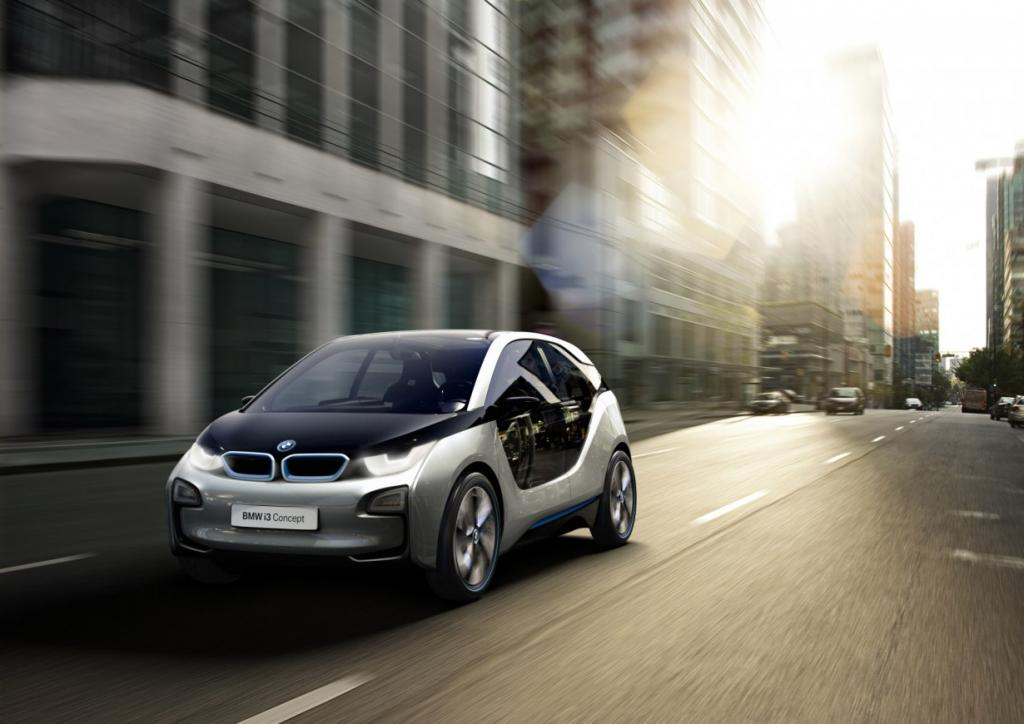 Юркий ситикар BMW i3 (25 фото)