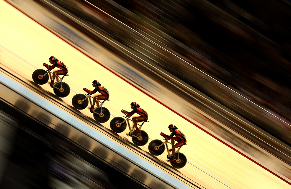 Испанская команда проходит квалификацию на чемпионате мира по велоспорту UCI Track Cycling World Championships 2012 в Мельбурне, Австралия. (Mark Dadswell/Getty Images)
