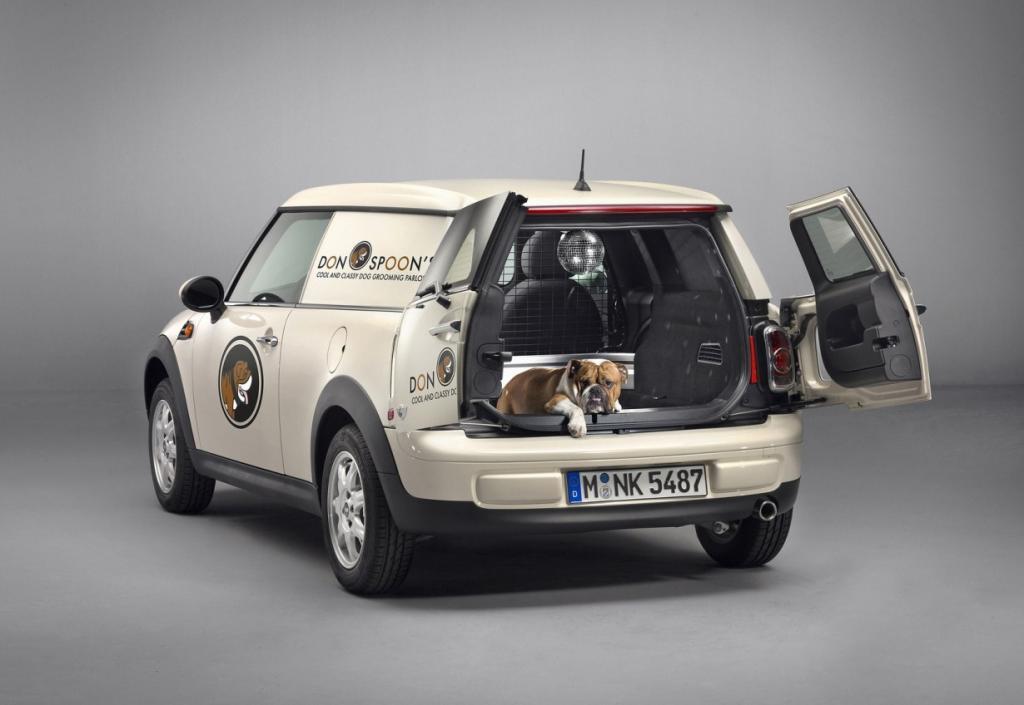 В модельном ряду MINI появился новый «фургончик» (20 фото)