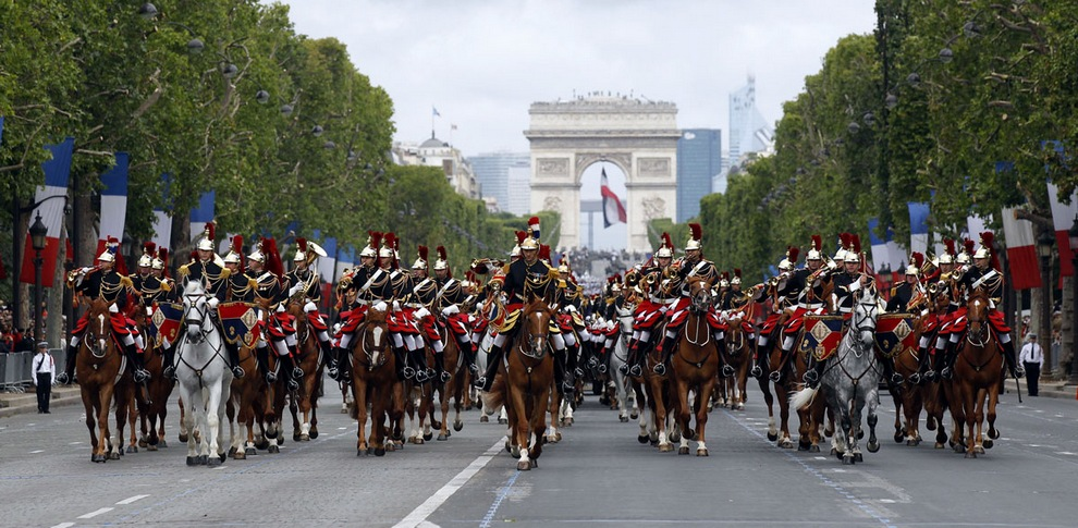 bastille day french independence day essay Bastille day is the french national holiday, which marks the storming of the bastille in the 1700s, and is known as la fête nationale française in france similarly to independence day - every july 4 - in the united states, the date marks the beginning of republican democracy and the end of tyrannical rule.