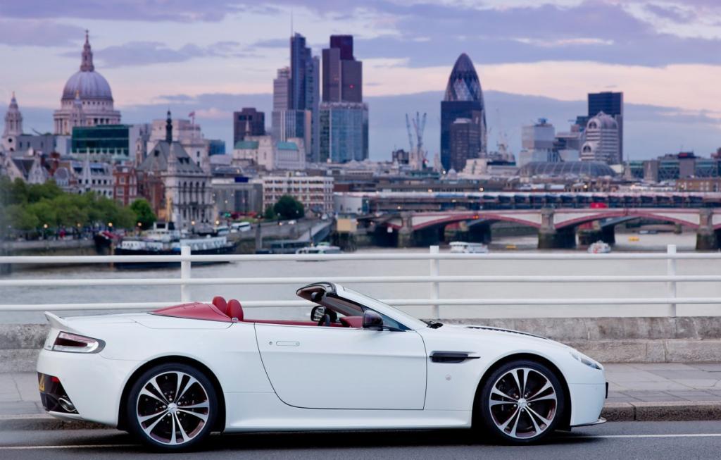 Aston Martin V12 Vantage Roadster. (Aston Martin Lagonda Limited)