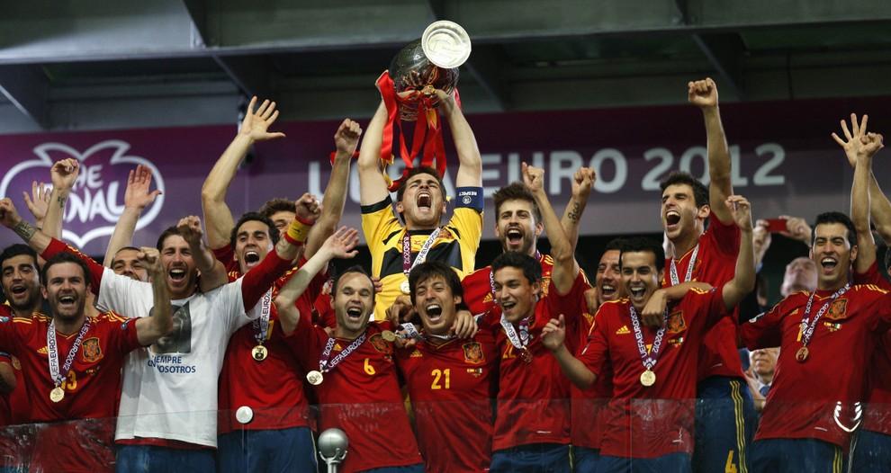 «Фурия Роха» — чемпион Евро-2012! (16 фото)