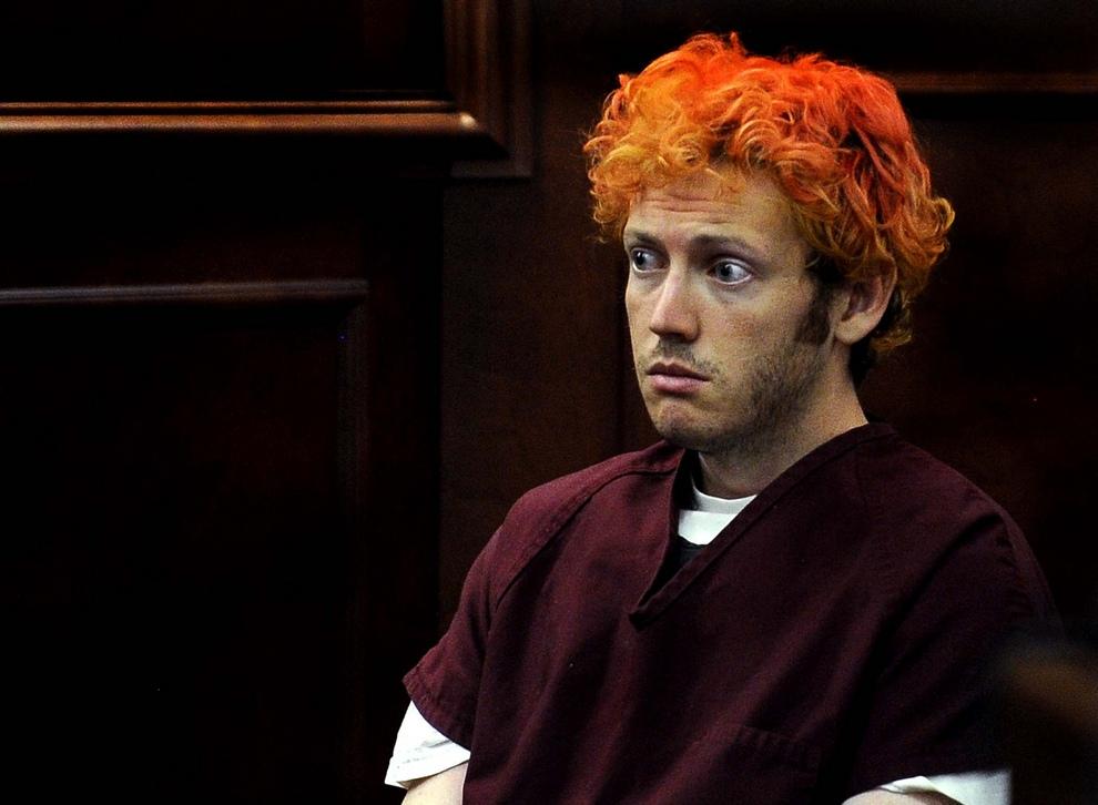 Джеймс Холмс (James Holmes) в окужном суде Арапаго, штат Колорадо, США. Это главный подозреваемый в деле о массовом расстреле людей в кинотеатре Century 16 в Авроре, штат Колорадо, США. Ожидается, что прокурор будет просить для Холмса смертной казни. (AP Photo/Denver Post, RJ Sangosti, Pool)