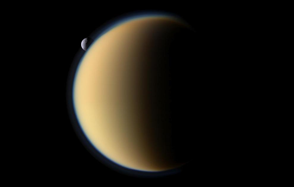 Сатурн и его спутники (30 фото)