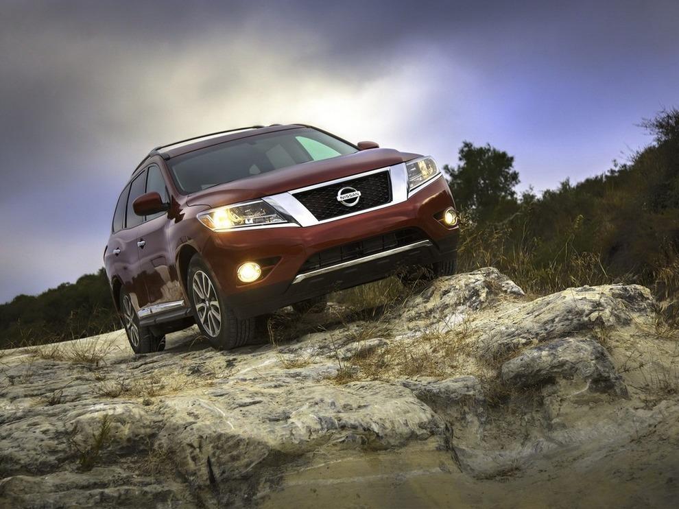 Метаморфозы нового Nissan Pathfinder (15 фото)