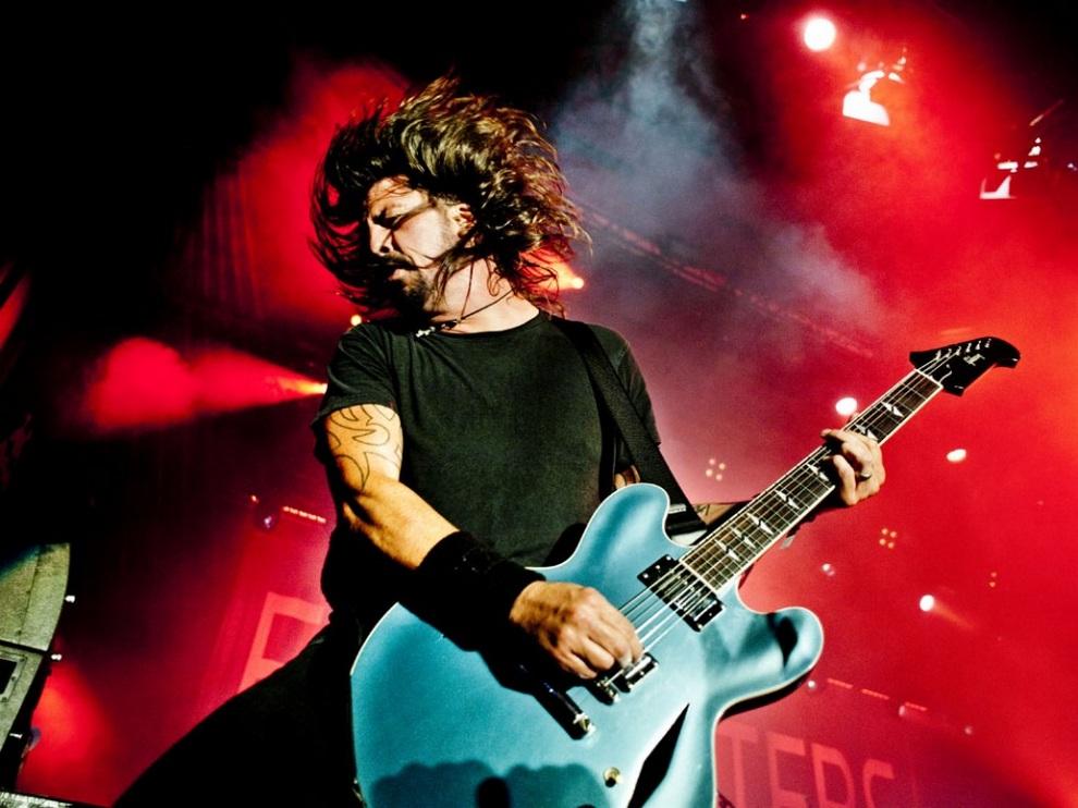 Дэйв Грол и группа Foo Fighters. (Andreas Terlaak)