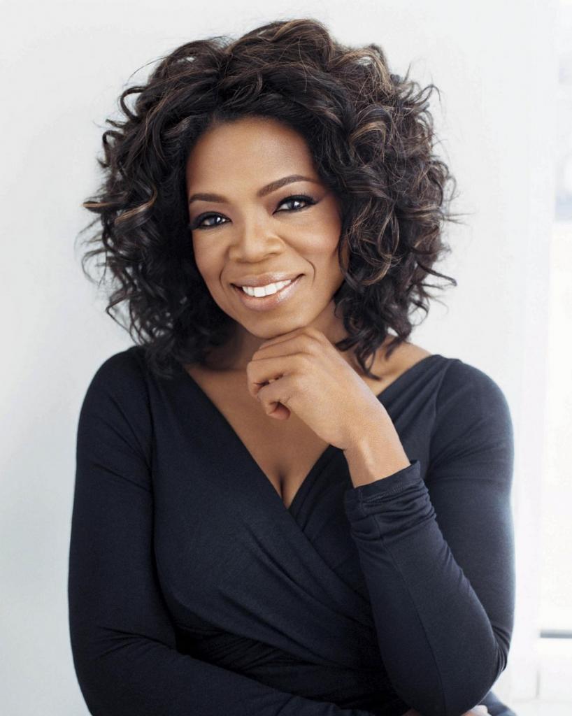 Опра Уинфри, $165 млн. Доходы медиамагната и телеведущей Опры Уинфри упали на $125 млн в прошлом году. Причина — закрытие ток-шоу, которое Опра вела 25 лет, и затраты на создание собственной кабельной сети OWN (OprahWinfreyNetwork). Но даже при этом она остается самой высокооплачиваемой звездой. (Oprah Winfrey)