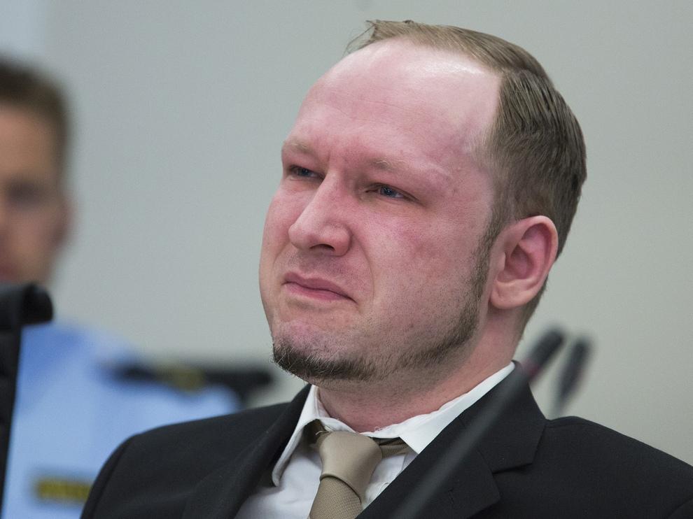 Норвежская бойня: Андерс Брейвик приговорен к 21 году тюрьмы (15 фото)
