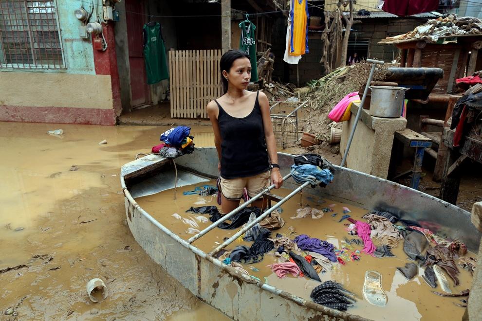 Филиппины: Жизнь после наводнения (17 фото)