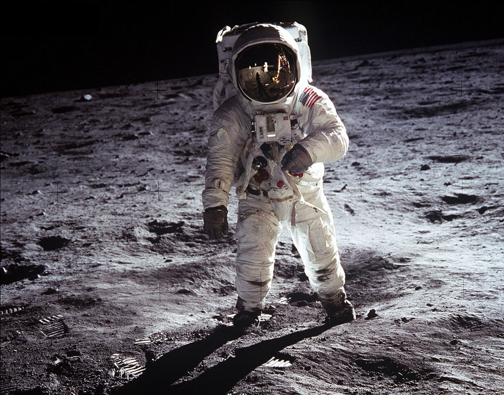neil armstrongs moon landing in 1969 essay Home essays moon landing exploratory essay moon landing 1969 in 1969, astronauts neil armstrong and buzz aldrin were the first humans to walk on the moon.