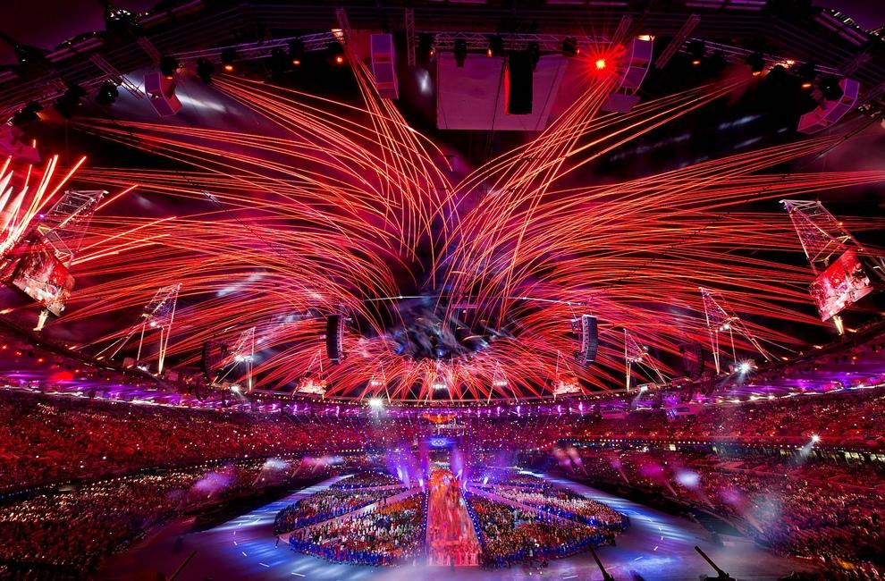 Дневник Олимпиады-2012, день последний: Золотые гимнастки России, церемония закрытия (20 фото)