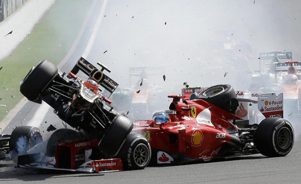 Гран-при Бельгии. Кувырки через болиды и победа Баттона (15 фото)