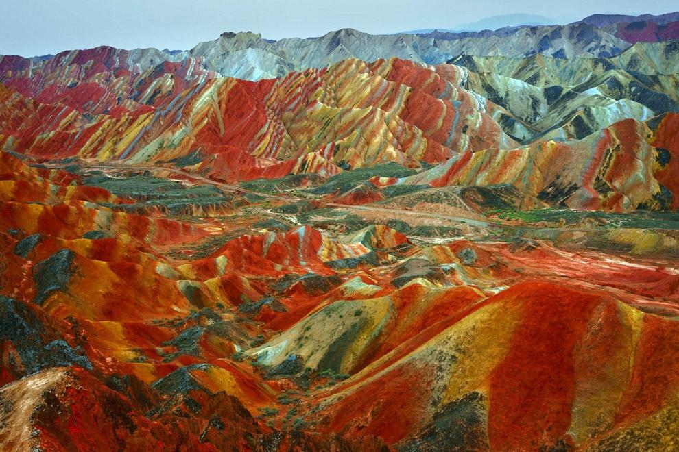 «Марсианские» ландшафты Китая (9 фото)