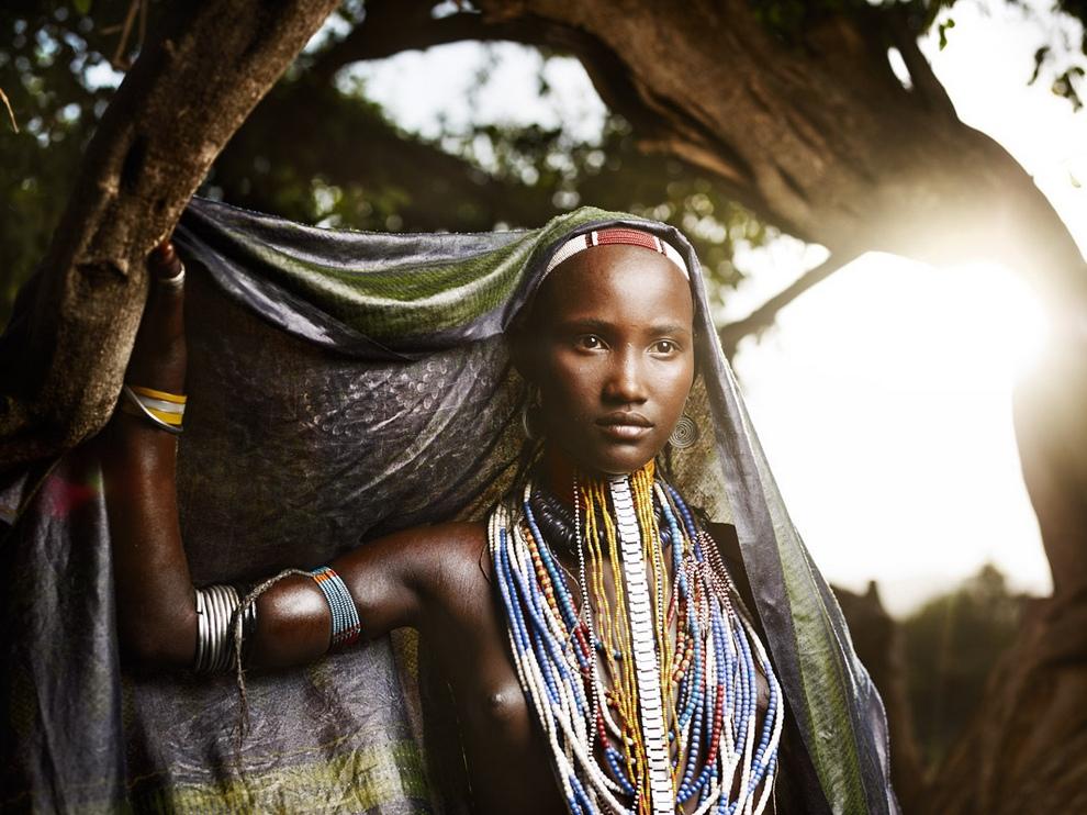 Портреты Эфиопии: Мурси, арборе, хамер, дасанеч и каро (10 фото)
