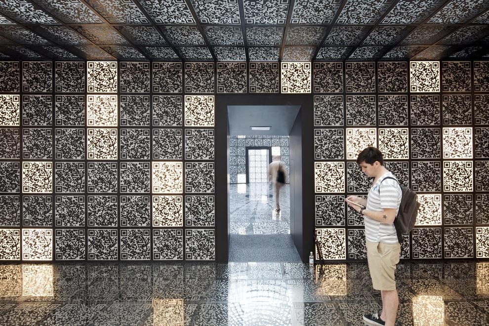 Лучшие павильоны XIII Венецианской биеннале (20 фото)