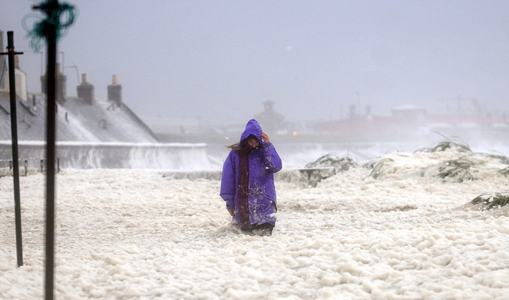 Непогода в Великобритании. (HE Media)