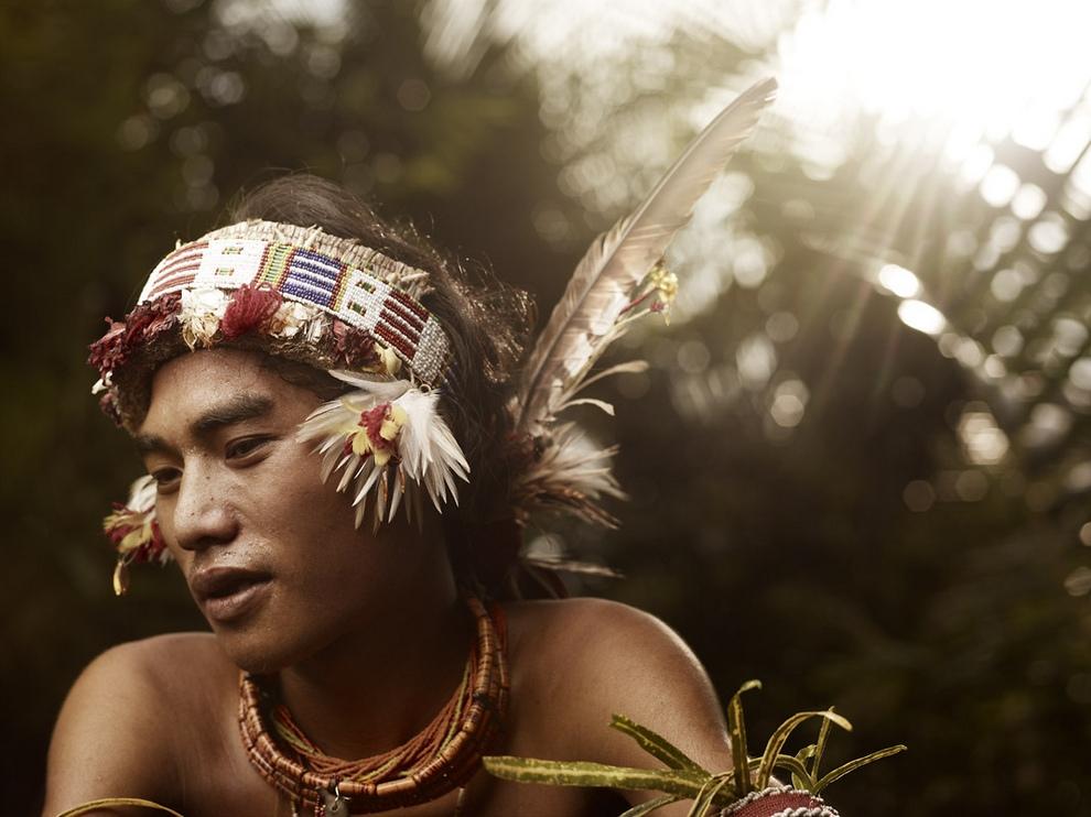 Портреты коренных жителей архипелага Ментаваи (17 фото)