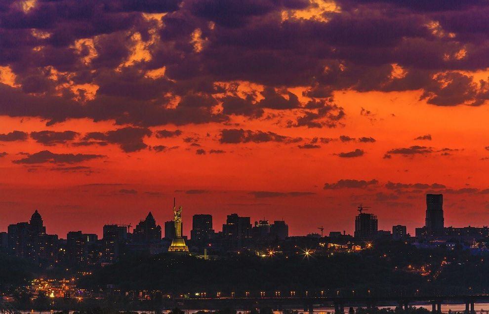 Киев после захода солнца (20 фото)