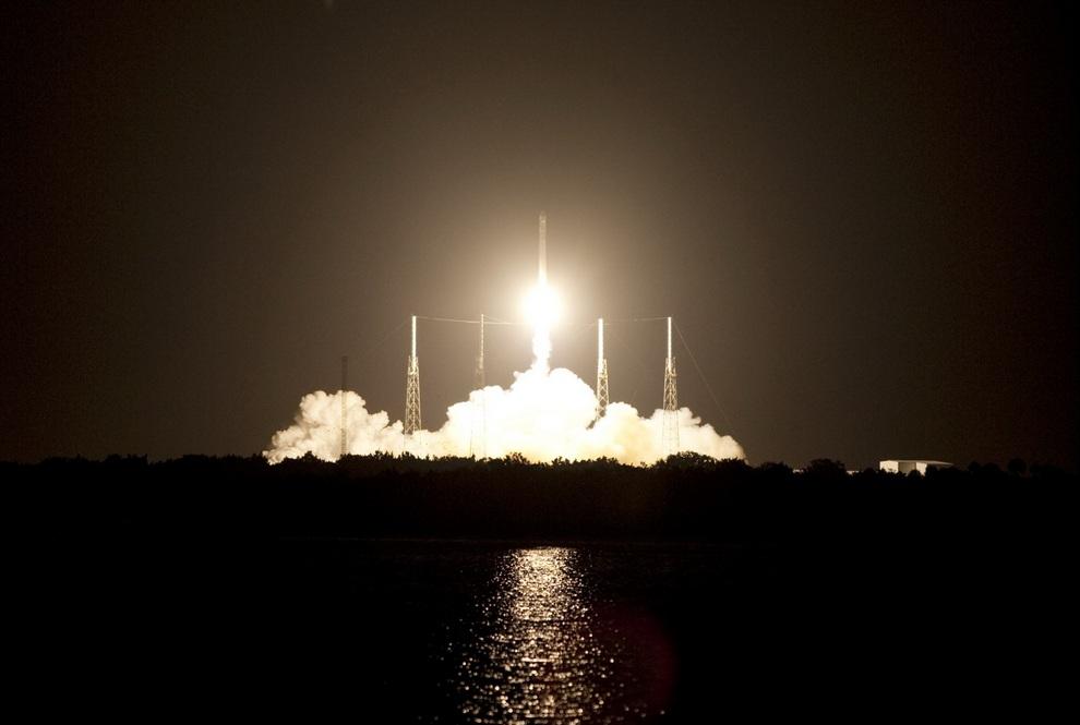 Космический корабль «Дракон» впервые отправился на МКС вместо шаттлов (5 фото + видео)