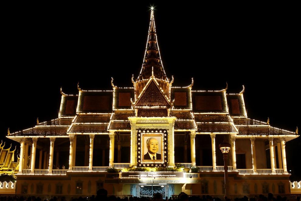 Прощание с Нородомом Сиануком в Пномпене, Камбоджа. (Chris McGrath/Getty Images)