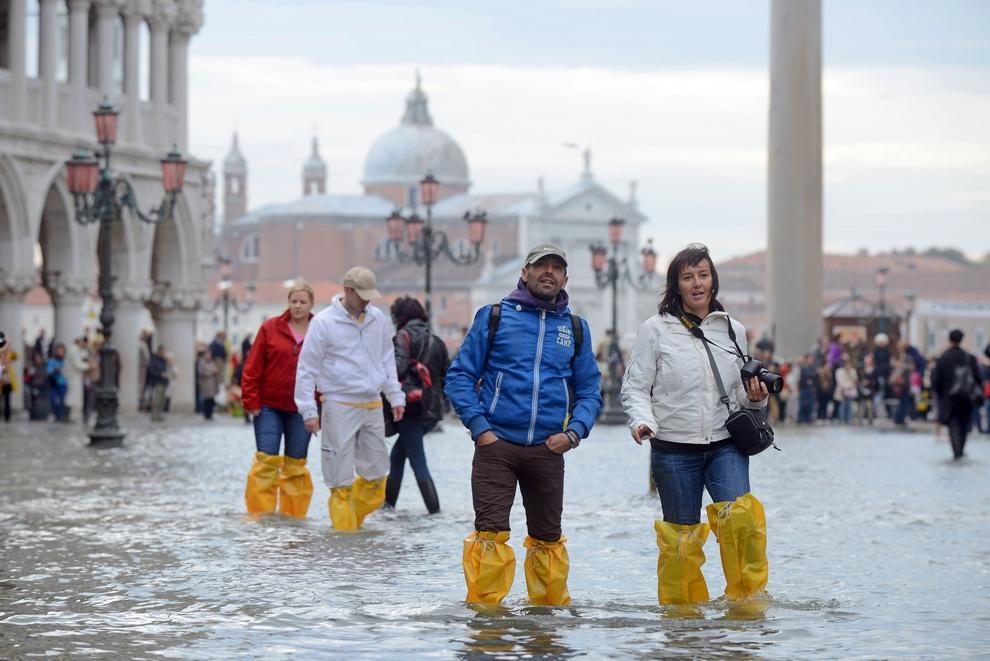 «Высокая вода» накрыла Венецию (10 фото)