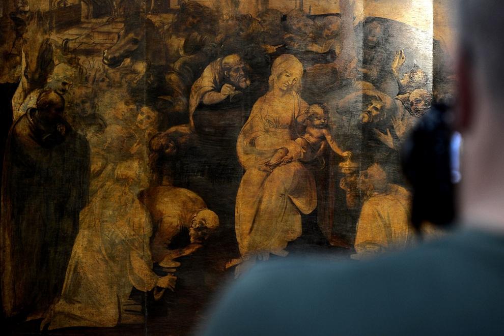 Реставрация картины «Поклонение волхвов» Леонардо да Винчи в мастерской Opificio delle Pietre Dure, Флоренция, Италия. (FILIPPO MONTEFORTE/AFP/Getty Images)