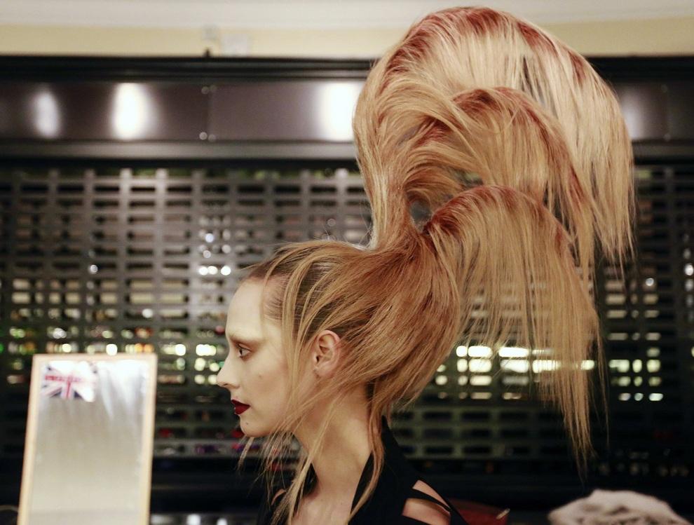 Лучшие прически Alternative Hair Show 2012 (13 фото)