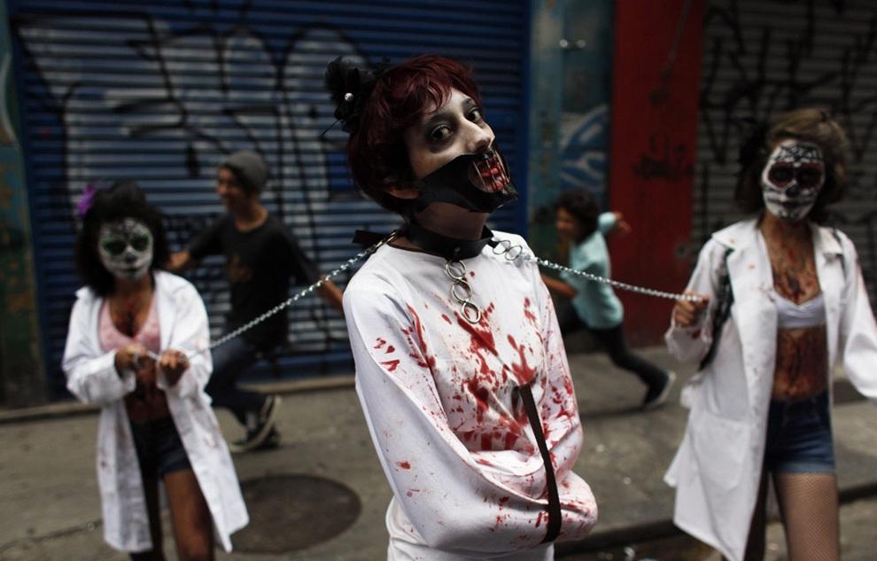 Зловещие зомби в Сан-Паулу (12 фото + видео)