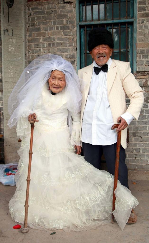 Первое свадебное фото спустя 88 лет совместной жизни (фото)