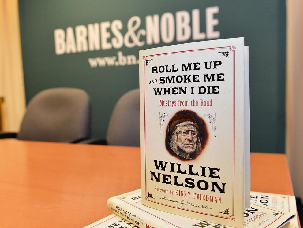 Вилли Нельсон делится жизненной мудростью в автобиографической книге (4 фото)