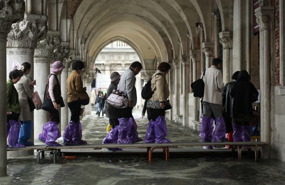 Венеция ушла на метр под воду (10 фото)