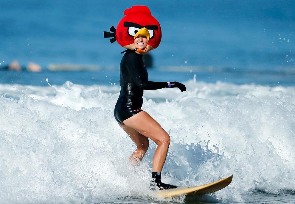 Хэллоуинские костюмированные соревнования по серфингу (6 фото)