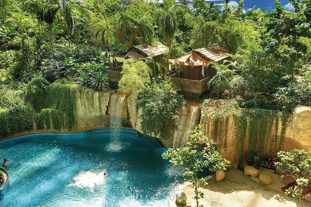 Tropical Island Resort — самый большой искусственный рай на Земле! (14 фото)